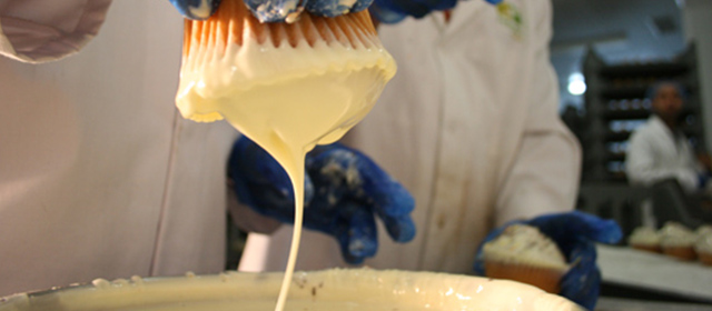 pf-slide-cake-manufacturers